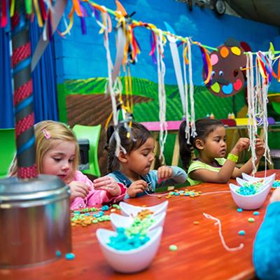 Kids parties fun activities - Cereal Necklace Making