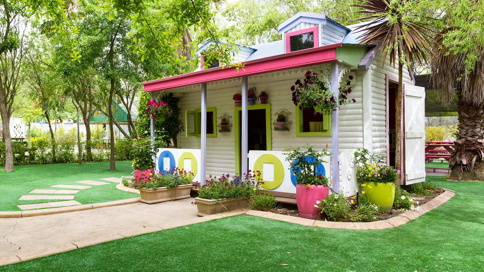 Doll's house party venue ( Outdoor)