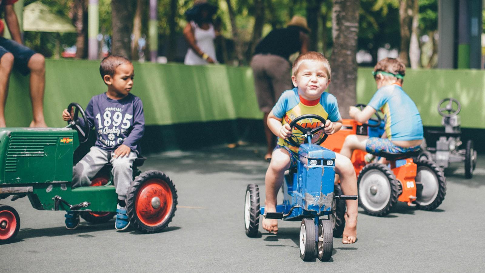 Bugz Playpark | Park & Rides | Toddler Tractors