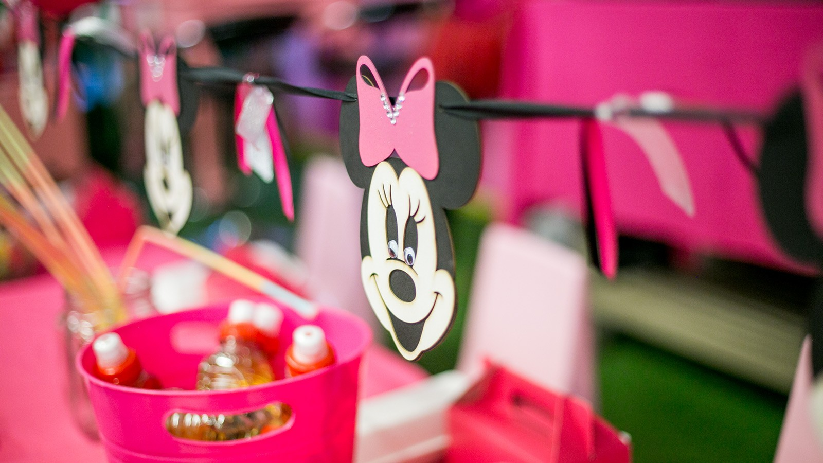 Bugz Playpark | Parties | Minnie Mouse Bunting