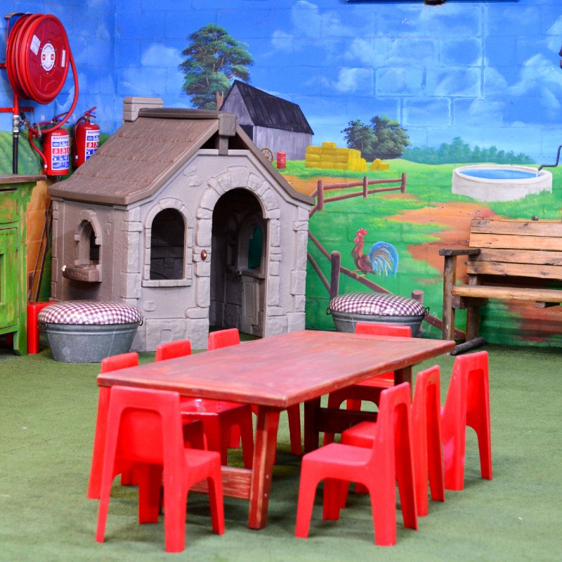 Party info children 39 s parties kids party venues bugz for Indoor party places for kids